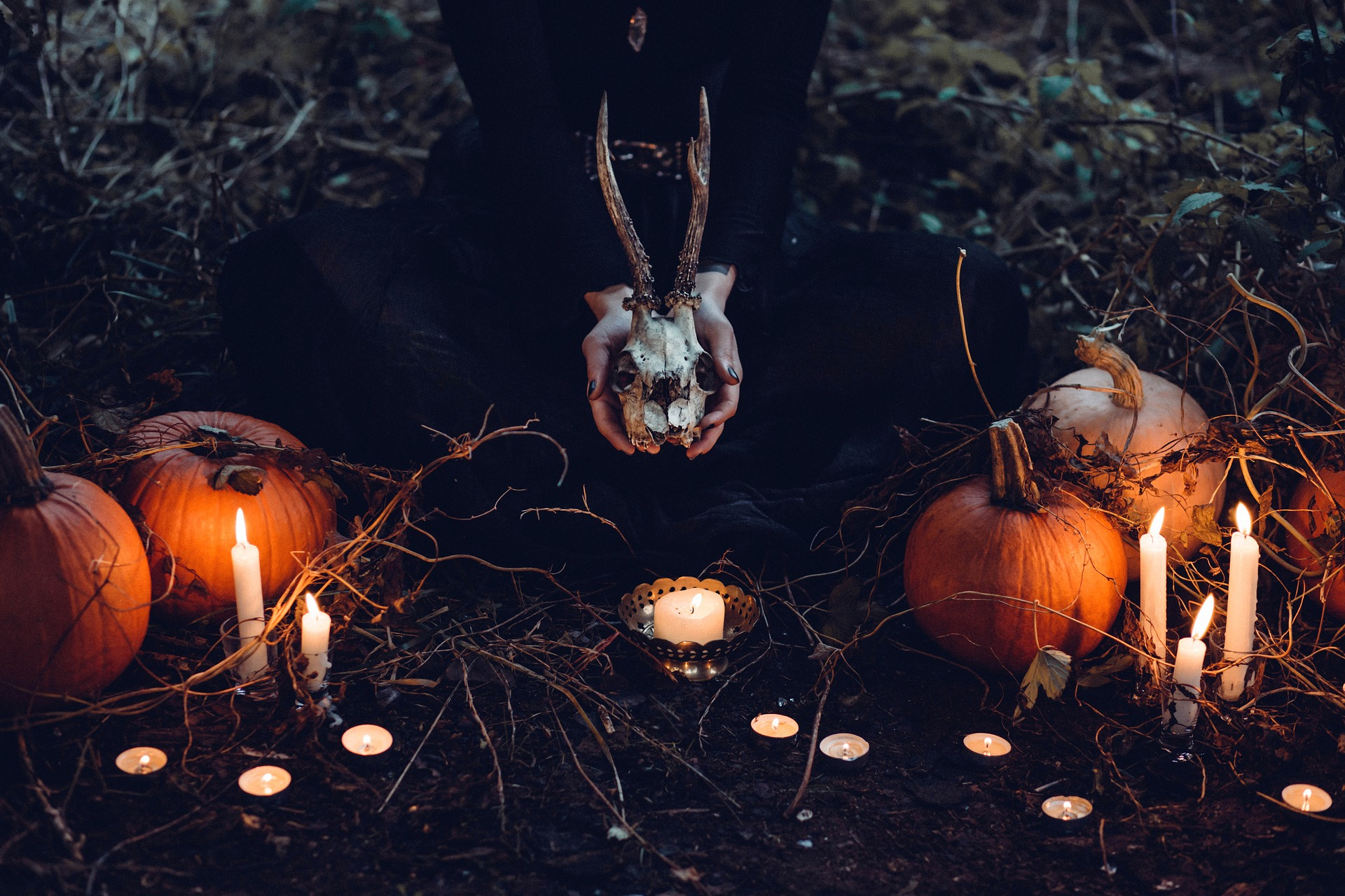 More and more young women are becoming witches!