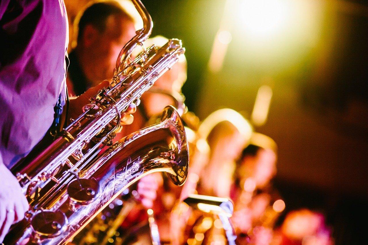 saxophones-691224_1280