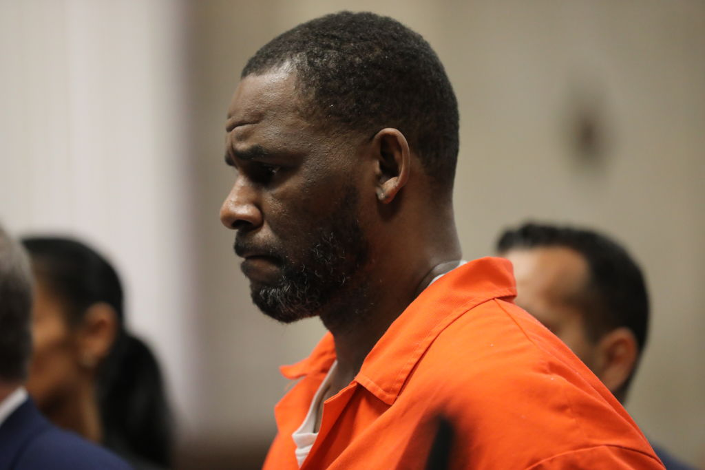 R. Kelly Taken to Brooklyn Detention Center From Chicago To Await Federal Trial