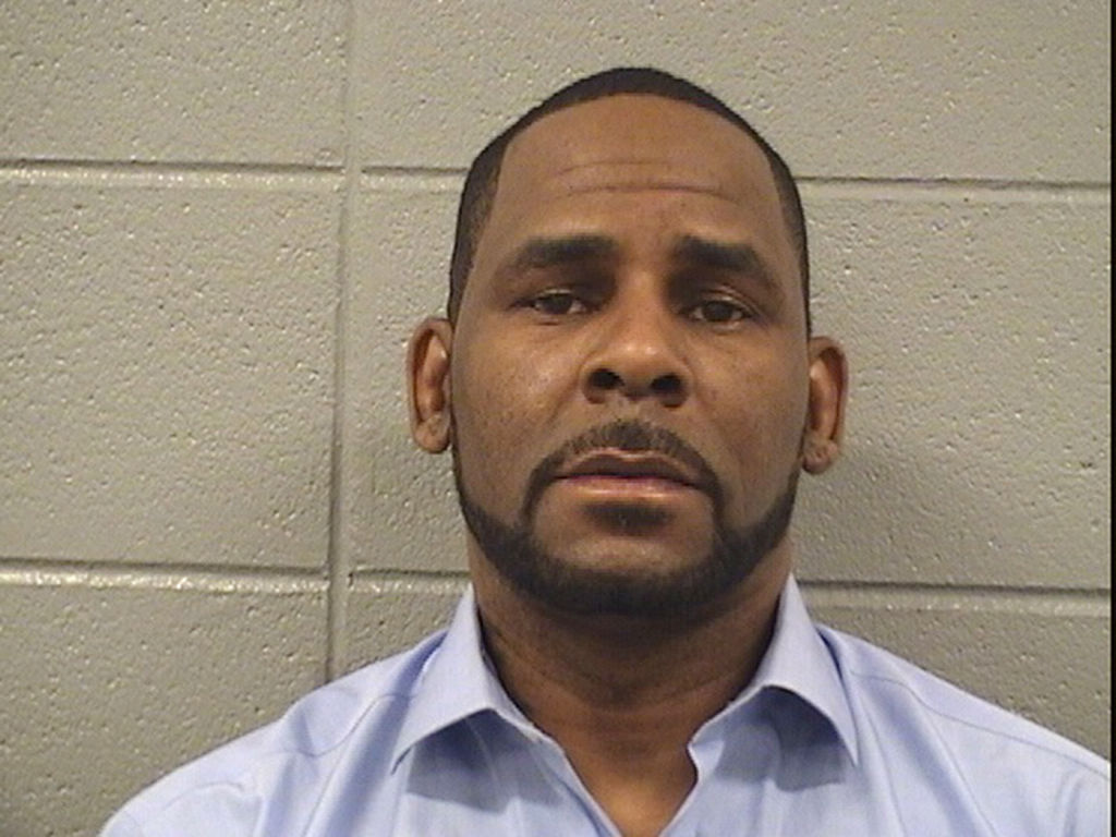 R. Kelly Accused of Beating a 17-Year-Old Girl—Whom He Had Allegedly Infected With Herpes—With His Shoe