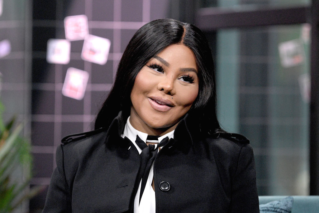 Lil' Kim Says Nick Cannon Is Now Her Manager (VIDEO)