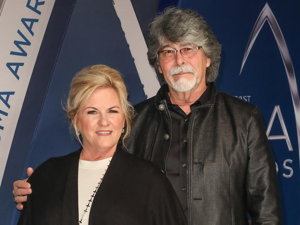 Alabama's Randy Owen Receives CMA Humanitarian Award During Surprise Presentation