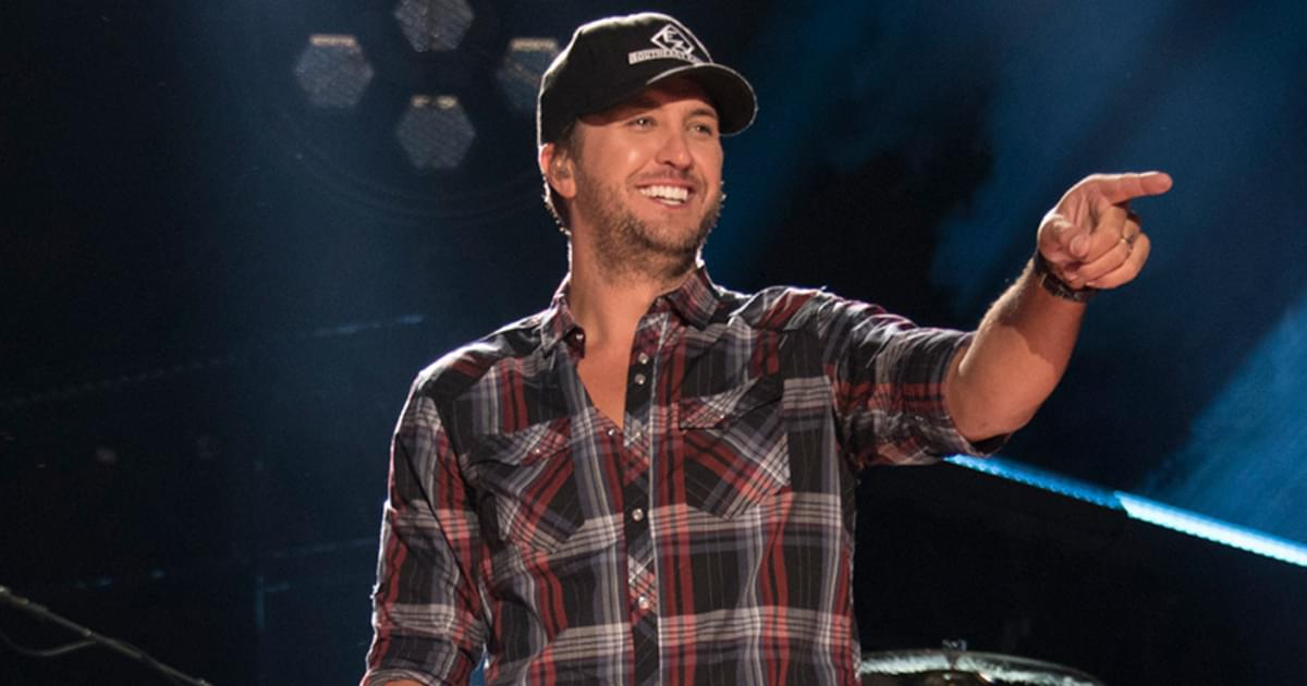 """Luke Bryan Announces Rescheduled 2021 Dates for """"Proud  to Be Right Here Tour"""""""