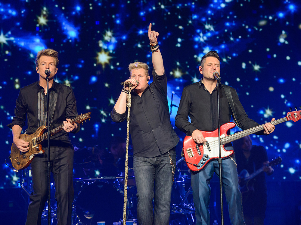 """Christmas Comes Early for Rascal Flatts With """"The Greatest Gift of All"""""""