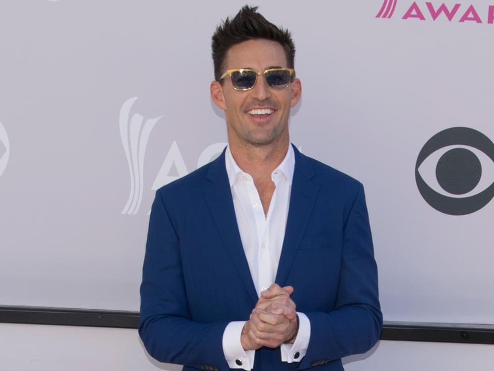 "Jake Owen Said He Had a ""Few Cocktails"" and Verbally Abused Golfer Phil Mickelson at a Wedding"