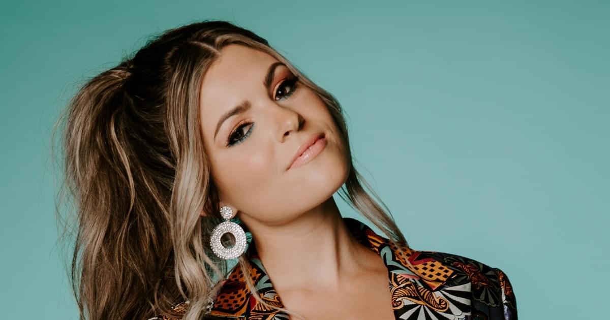 Tenille Arts Wins 3 Awards at the SMAs – Including Single, Album & Country Artist of the Year