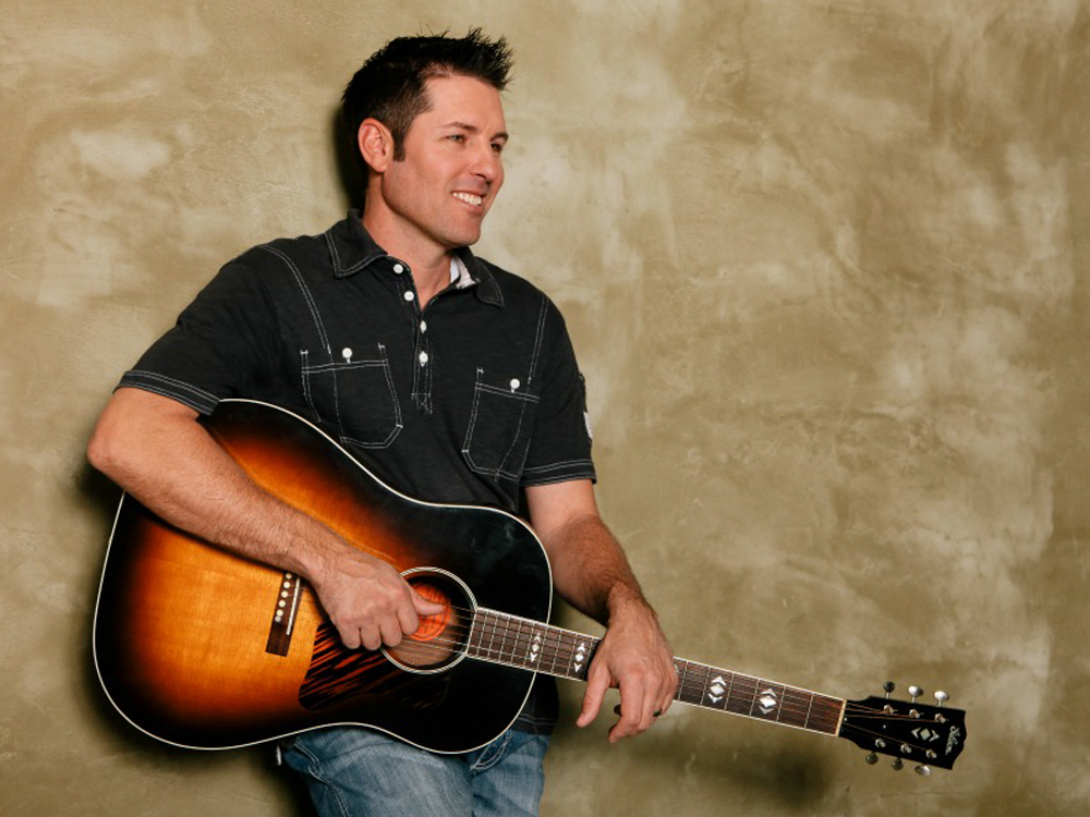 """Casey Donahew Is Taking His Texas-Sized Party to the Radio Airwaves With New Album, """"All Night Party"""""""