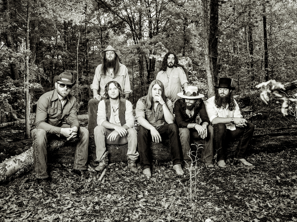 "Exclusive Premiere: Watch Whiskey Myers' Gritty New Lyric Video for ""Mud"""