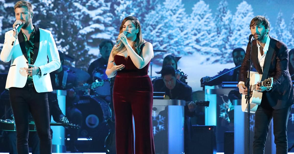 """Lady A to Release Deluxe Version of 2012 Holiday Album, """"On This Winter's Night,"""" With 4 New Songs"""