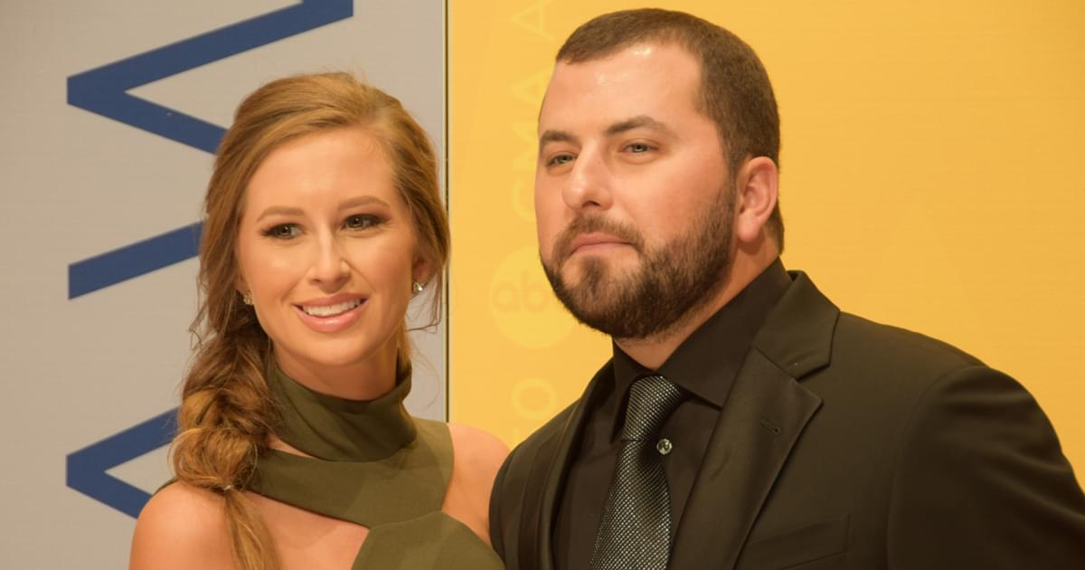 Tyler Farr & Wife Hannah Expecting First Child