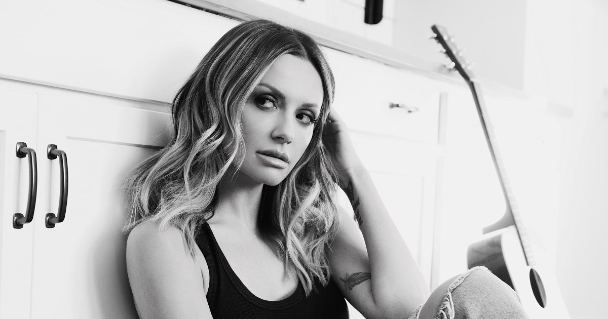 """Carly Pearce is """"Not OK"""" After Getting a Message From Loretta Lynn"""