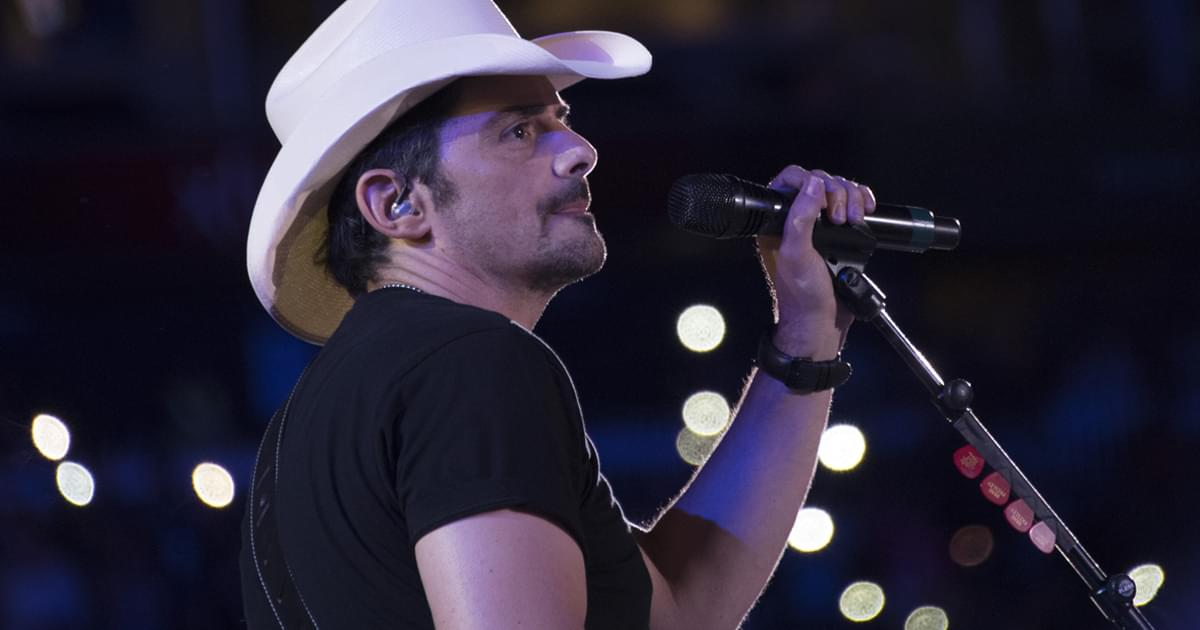 Brad Paisley Reflects on Thanksgiving Traditions of His Past