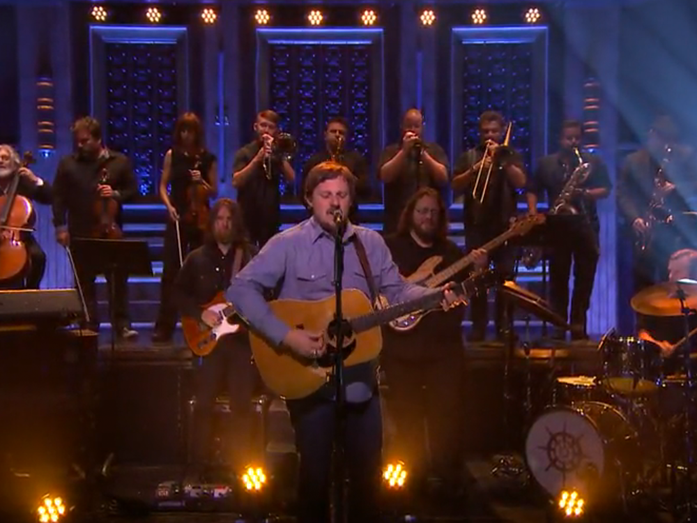 """Watch Sturgill Simpson Wail on the Uplifting """"All Around You"""" on """"The Tonight Show"""""""