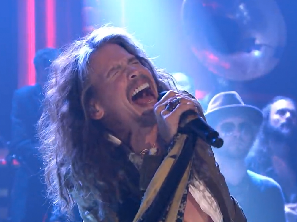 """Watch Steven Tyler Croon About Black-Eyed Peas and Cornbread on """"The Tonight Show"""""""