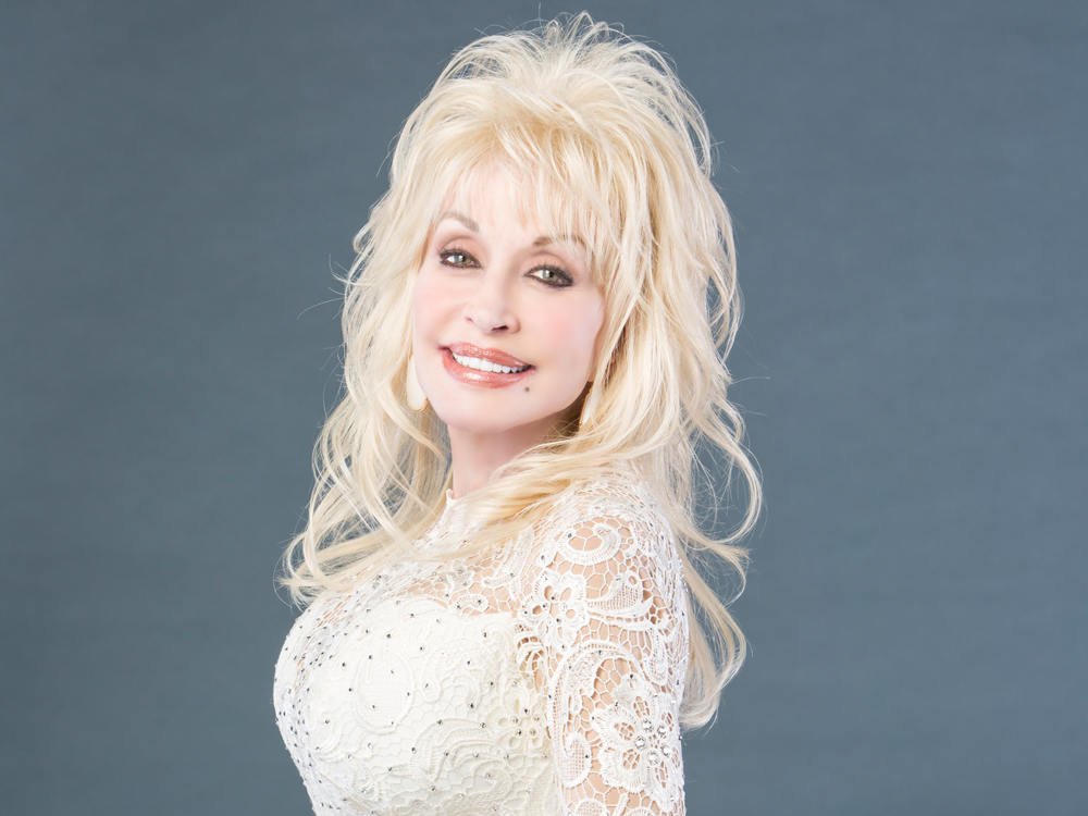 Dolly Parton to Receive the Willie Nelson Lifetime Achievement Award at Upcoming CMA Awards