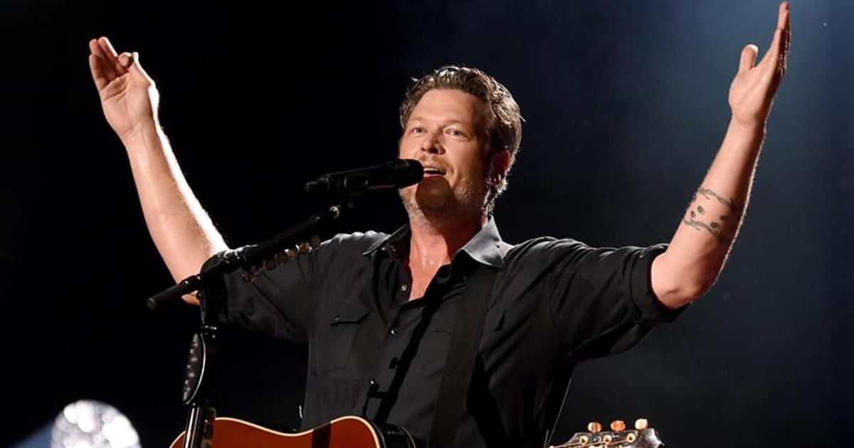 "Blake Shelton's ""God's Country"" Named Single of the Year at ACM Awards"