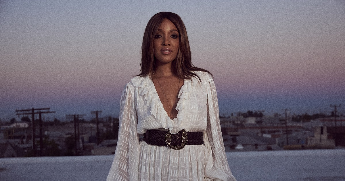 Mickey Guyton Sings National Anthem During the National Memorial Day Concert