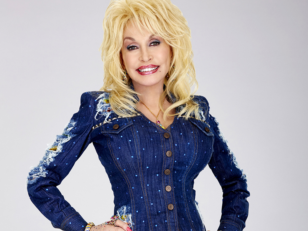 "Dolly Parton Teams With Goddaughter Miley Cyrus for Performance of ""Jolene"" on ""The Voice"" Tonight (Nov. 29)"