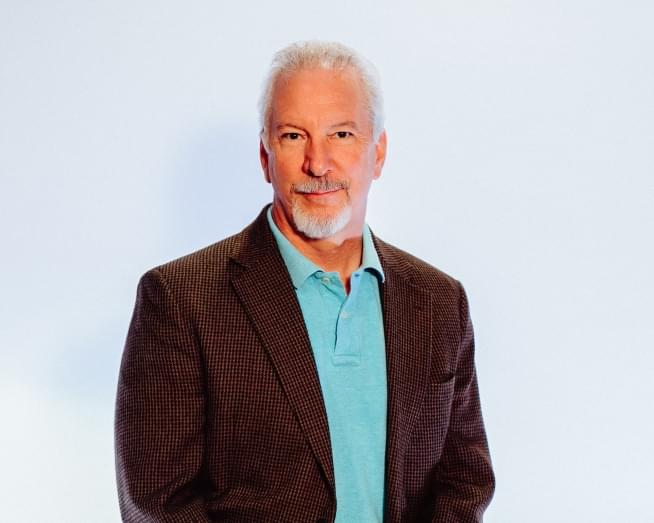 CUMULUS MEDIA Signs Perennial Nashville Radio Favorite Phil Valentine to a New Long-Term Contract