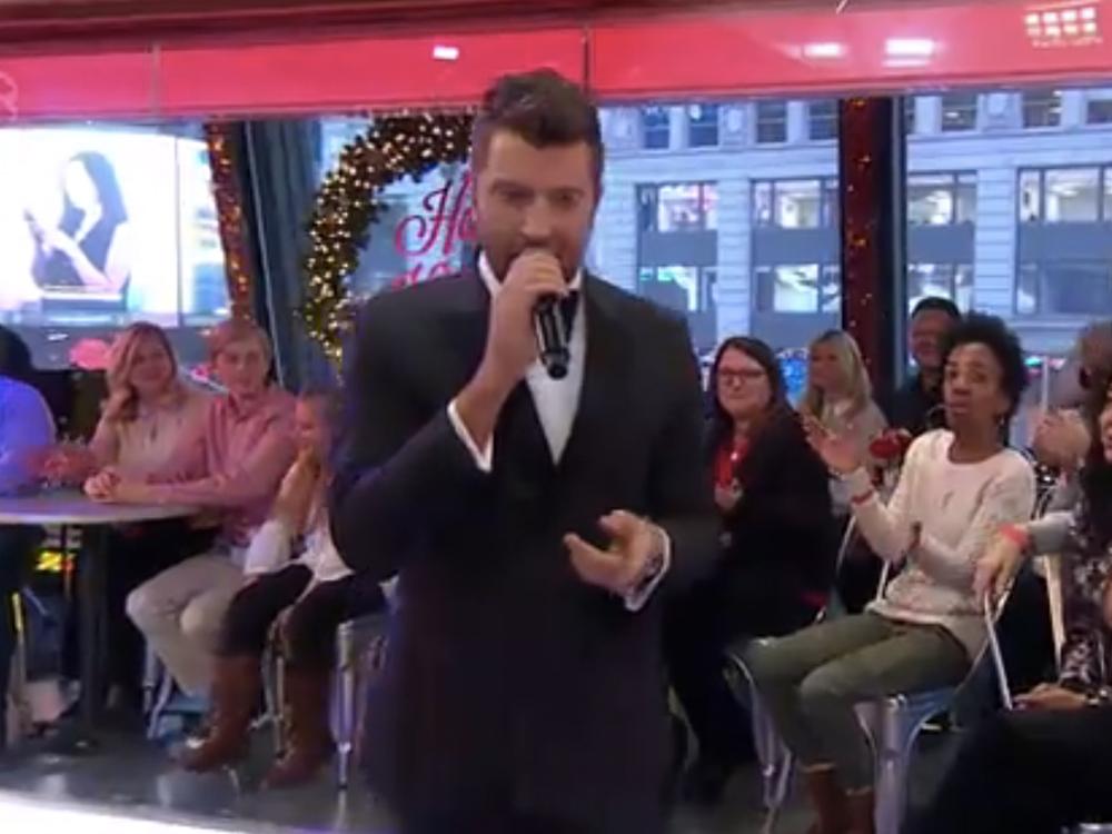 "Watch Brett Eldredge's Sizzling Performance of ""Let It Snow"" on ""Good Morning America"""