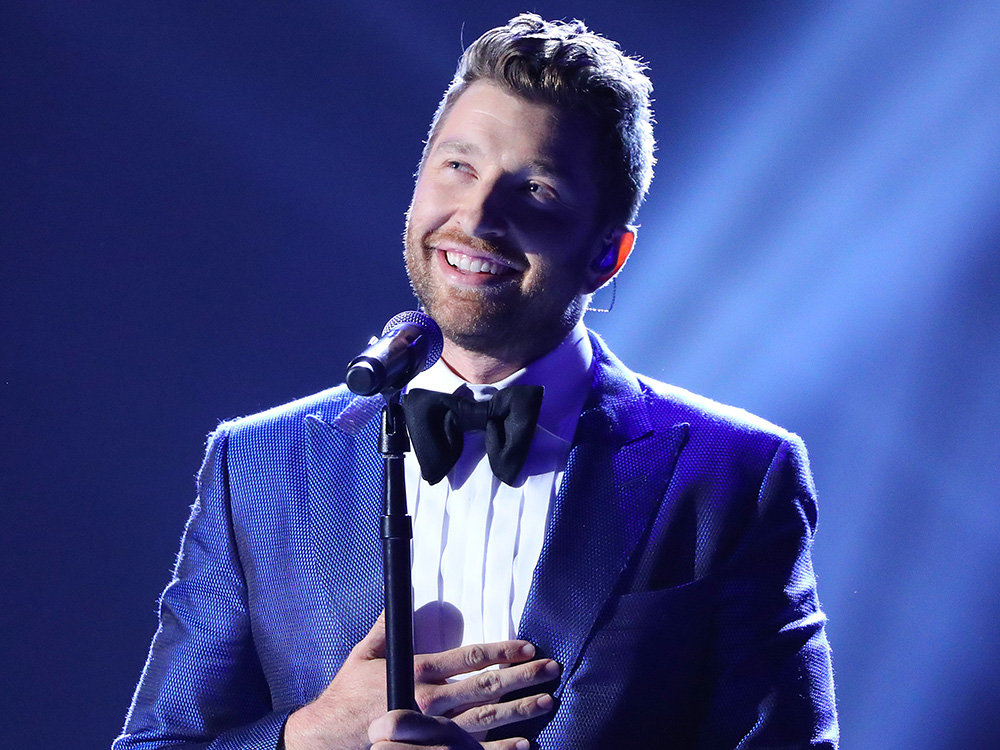 """Brett Eldredge Scores Sixth Consecutive No. 1 Hit With """"Wanna Be That Song"""""""