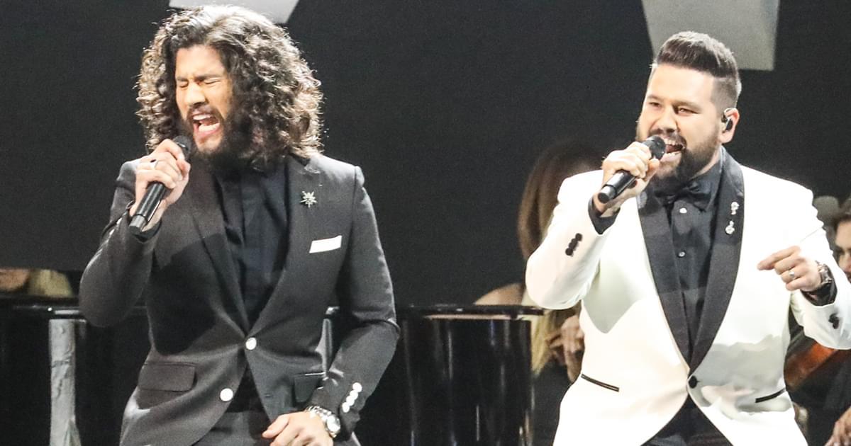 Dan + Shay Win Second Consecutive CMA Award for Duo of the Year