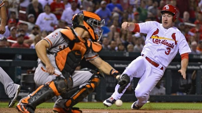 Cardinals edge Giants behind late two-out rally