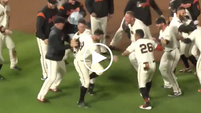 Buster Posey's walk-off single gives Giants 2-1 win over Dodgers