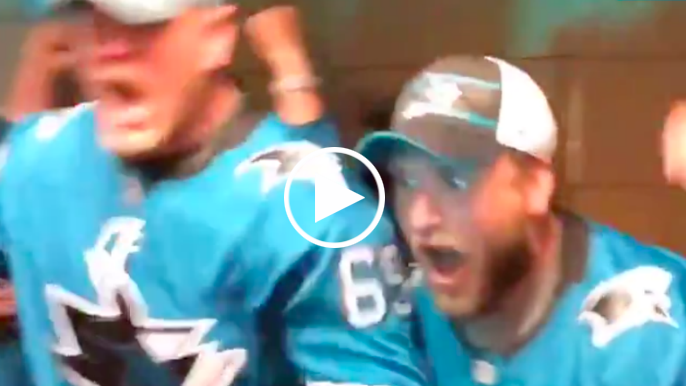 Entire 49ers offensive line hypes up Sharks before Game 7