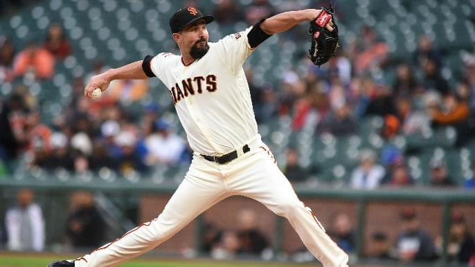 Giants begin with opener, still finish with loss to Blue Jays