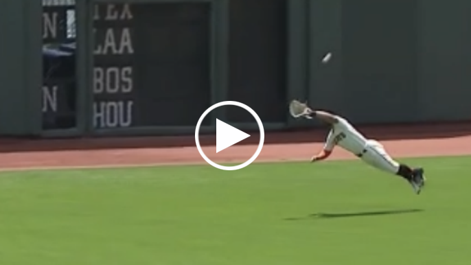 Kevin Pillar makes diving catch and throw to secure double play