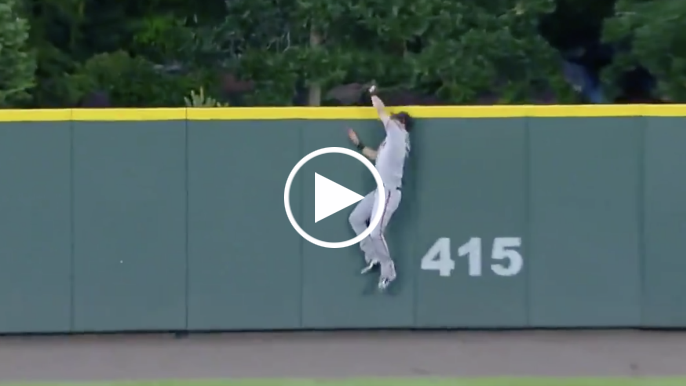 Steven Duggar robs home run with incredible catch over center field wall
