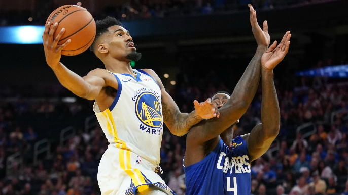 Warriors exercise options on two youngsters for next season