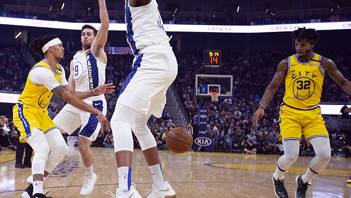 Some positives and one major problem in Warriors' first game without Cauley-Stein