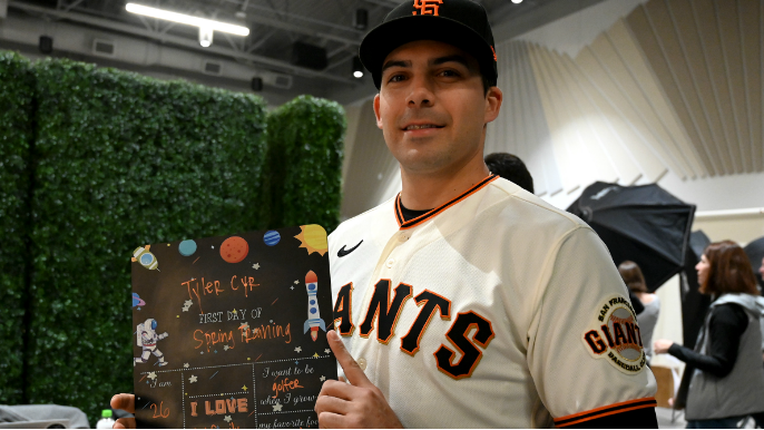 Giants prospect expresses anger over pay as the team works out a minor league plan