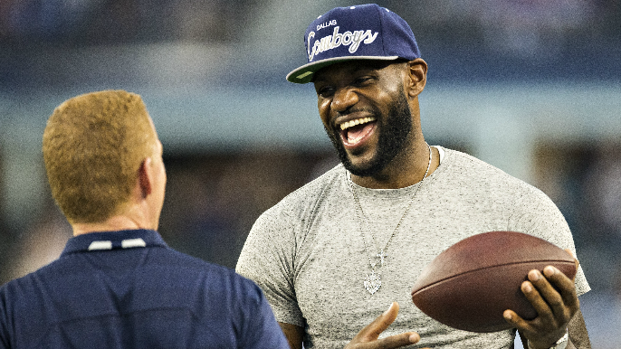 LeBron James considered move to NFL during 2011 lockout, received contract offer from Cowboys