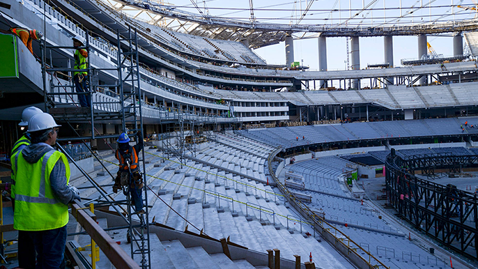 Construction halts at SoFi Stadium after worker falls to death