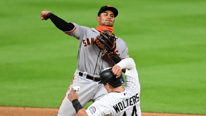 Disastrous inning dooms Giants in rough start to road trip