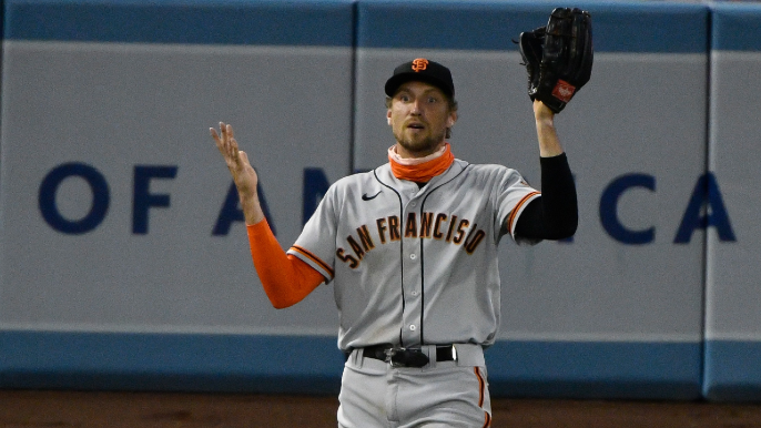 A lost ball, lost Cueto history and crushed Kershaw: Giants-Dodgers was bizarre