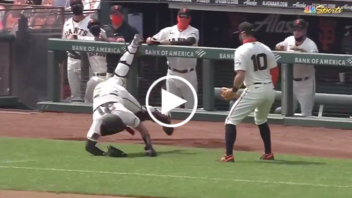 Joey Bart makes tumbling catch in foul territory