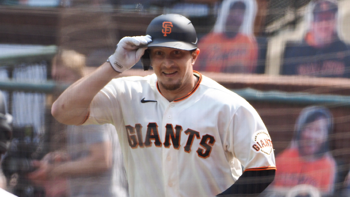 Alex Dickerson returns to Giants a new father