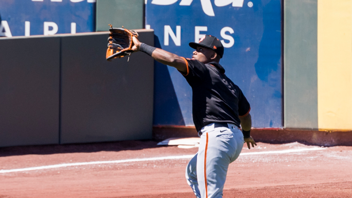 Giants top outfield prospect's injury complicates Rule 5 draft