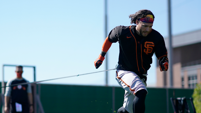 There are more doubters for Brandon Crawford, who doesn't want to think about Giants future