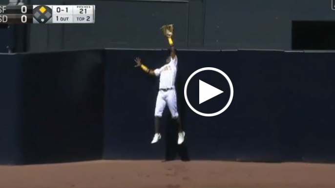 Darin Ruf's homer comes with an assist from Padres outfielder