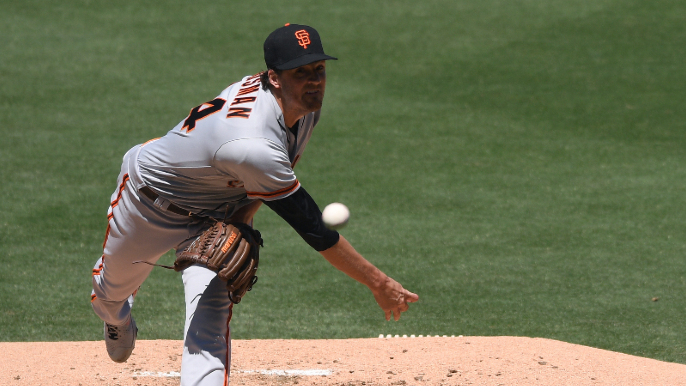 Giants pull out dramatic 10-inning battle to steal series from Padres