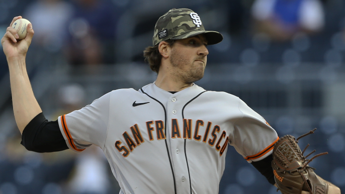 Giants waste Gausman brilliance in tough 11-inning loss to Pirates