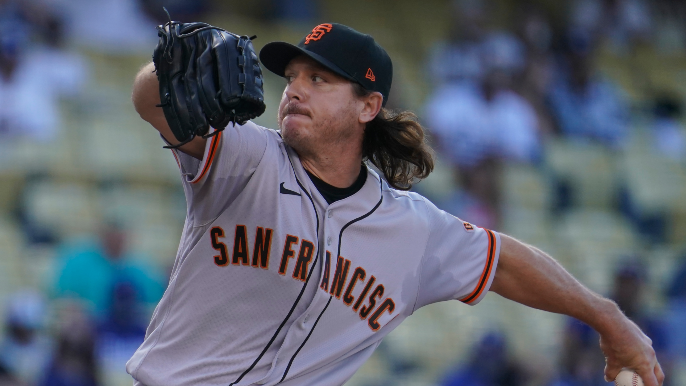Scott Kazmir stays with Giants and expected to be a starting option again