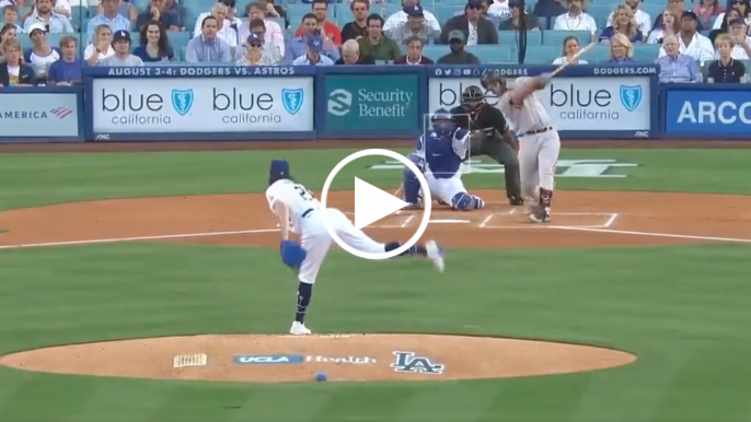 Buster Posey goes yard vs. Dodgers in first at-bat of second half