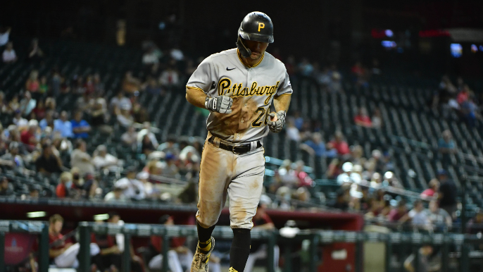 Pirates star traded to Padres during Giants game [report]