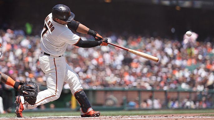Giants bash their way to win, retain best record in baseball
